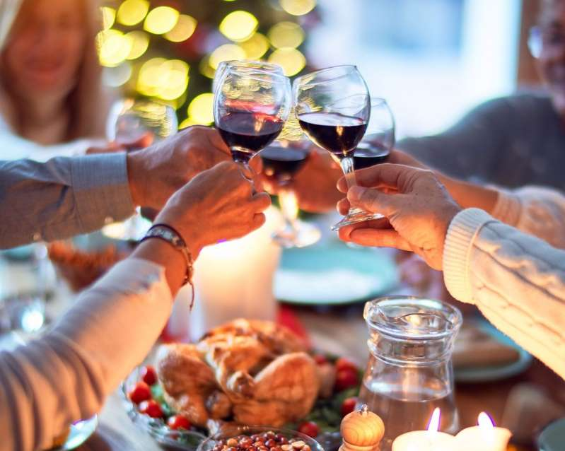 Is there a risk of COVID-19 infection or spread if families get together on Thanksgiving? Many dads think so