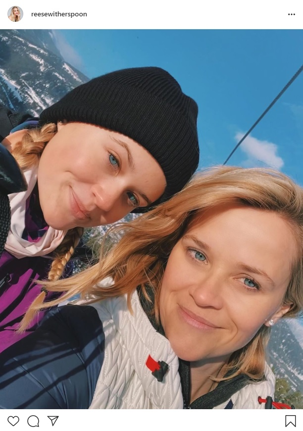 Reese Witherspoon (Reese Witherspoon) and her daughter Ava (Ava) have released two photos that look like sisters