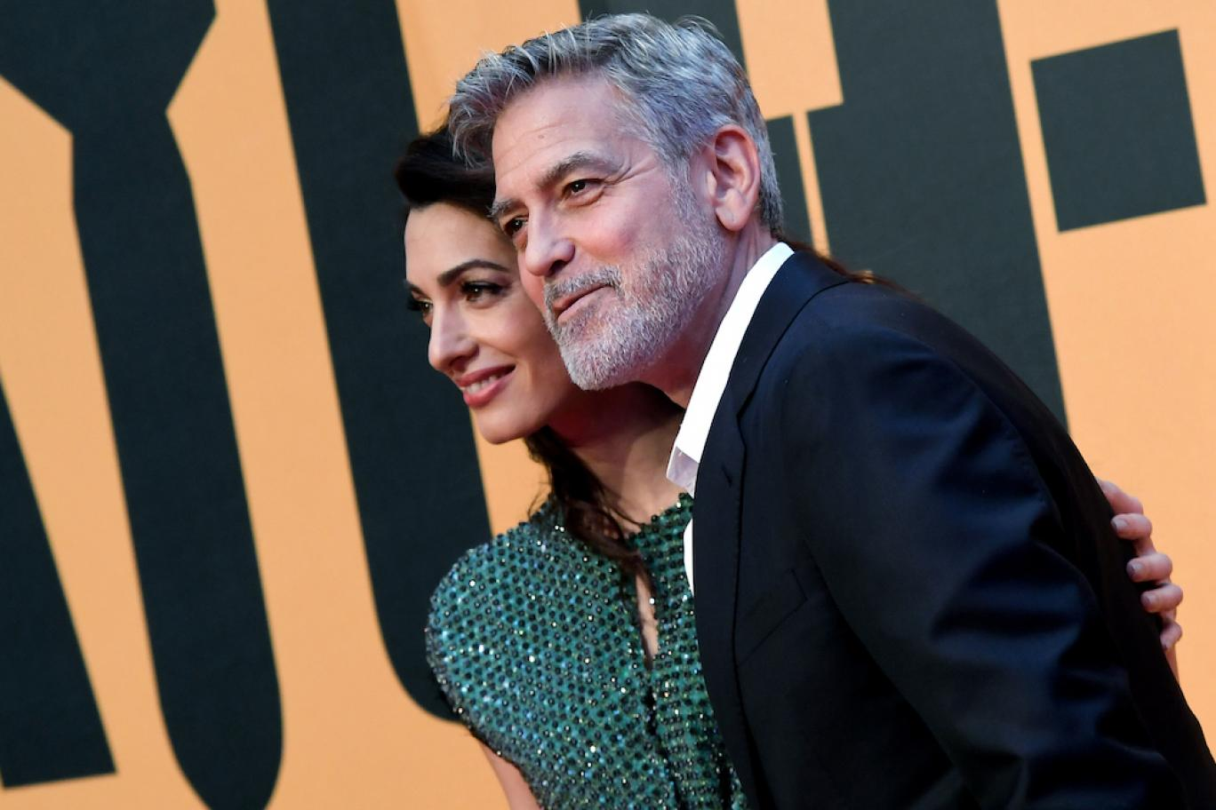 George and Amal Clooney meet their supportive couple in Italy