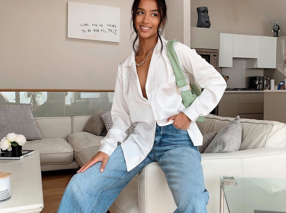 4th Gen Z women recommend their favorite jeans