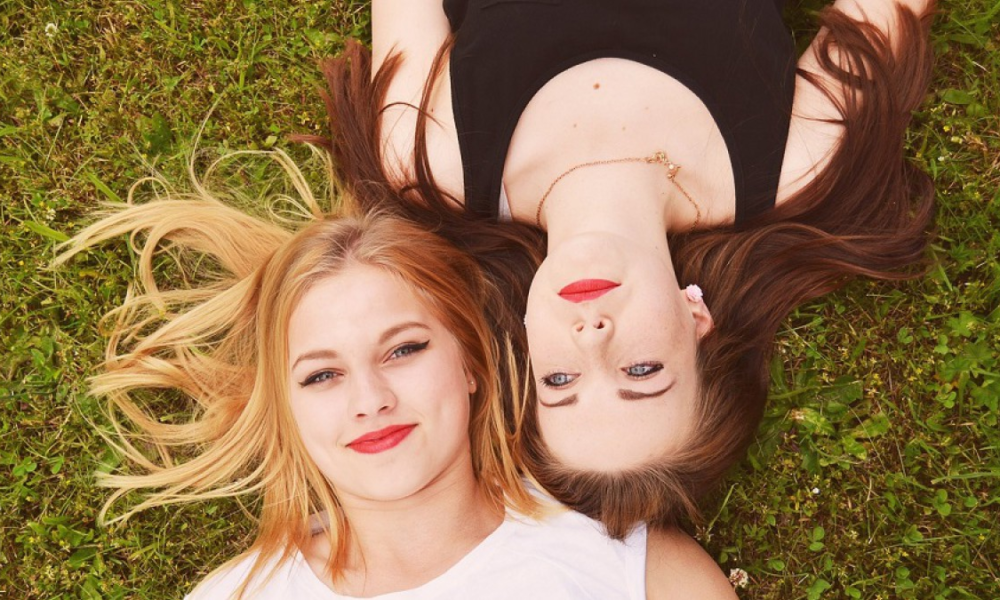 10 tricks to be more sociable and fun
